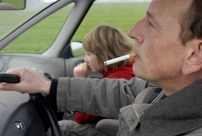 Schotten mogen niet meer roken in auto met kinderen erbij