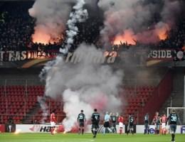 Opnieuw vuurwerk in Luik: vuurpijlen en bommetjes van Ajax-fans