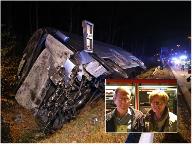 """Spectaculaire crash op E313: """"We hoorden 'Stop!' roepen, maar toen kantelde de bus"""""""