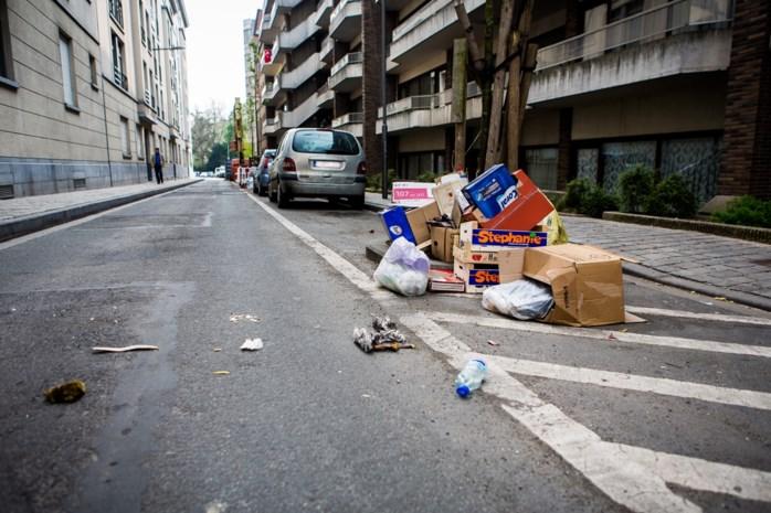 """Antwerpen verzamelt vijf keer meer zwerfvuil dan Brussel: """"Geen wonder dat het hier zo vuil ligt"""""""