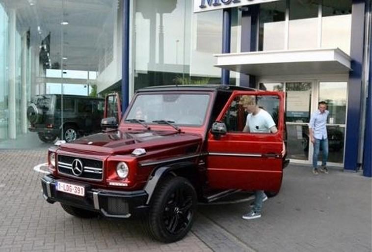 Kevin De Bruyne verkoopt zijn knalrode terreinwagen voor héél veel geld