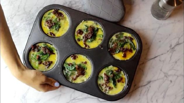 Zo moet je maar één keer eieren bakken voor een hele week ontbijt