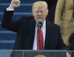 """Trump dankt media voor """"geweldige"""" beoordeling van zijn speech"""