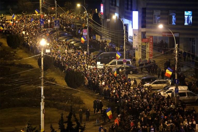 Roemenen betogen massaal tegen regering