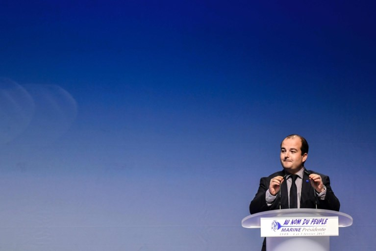 Le Pen stelt programma voor: NAVO verlaten, 'Frexit' en verplichte legerdienst