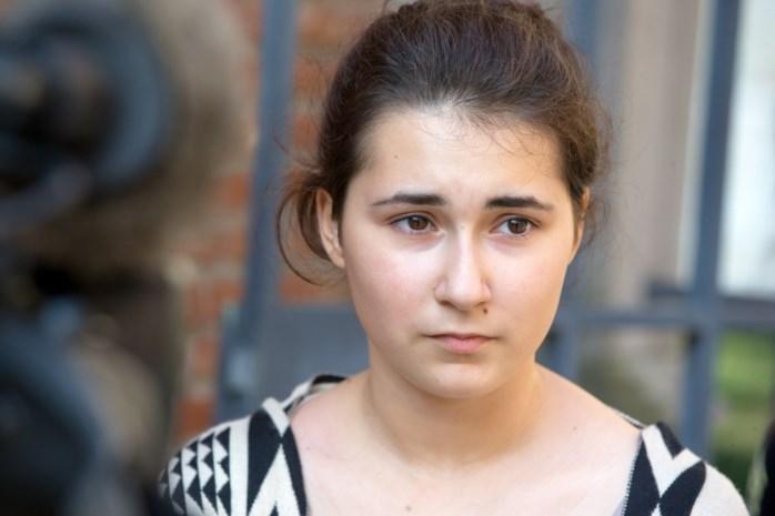 """School Djellza (16): """"We hopen dat verblijfsvergunning nog wordt verlengd"""""""