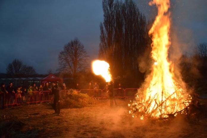 Kerstbomen zorgen voor knetterend spektakel
