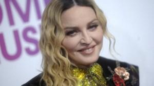 Madonna post foto van geadopteerde tweeling