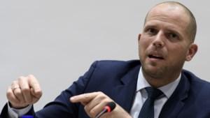 Francken krijgt gelijk over rechter die terreurverdachte vrijliet
