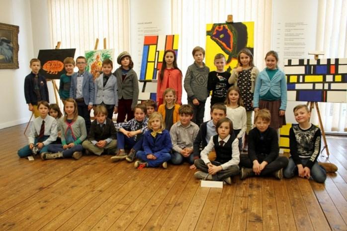 Leerlingen Dagpauwoog tonen kunstwerken in museum
