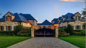 Binnenkijken in de sprookjesachtige villa die Selena Gomez verkoopt