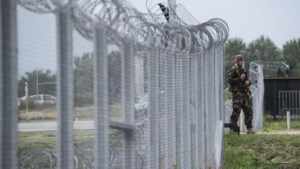 Hongarije sluit asielzoekers weer op tot procedure is afgerond
