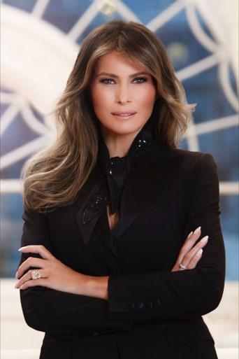 Dit is 'em: de eerste officiële foto en biografie van Melania Trump