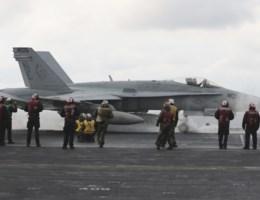 """Noord-Korea reageert op ontplooiing van Amerikaanse marine: """"Wij zijn klaar voor oorlog"""""""