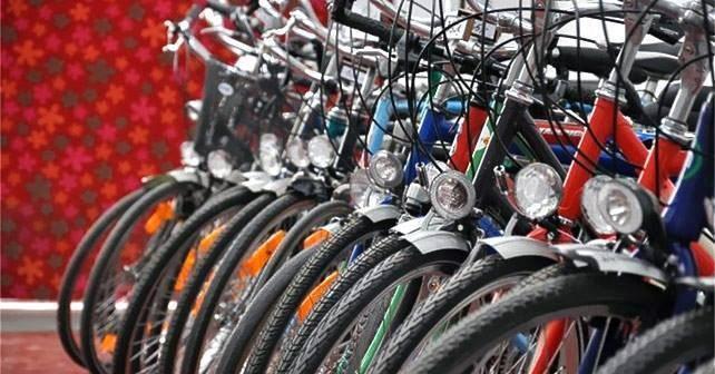 Stad verkoopt  gevonden fietsen