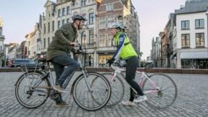 'De Race' Wat is het snelst? Met de elektrische fiets of de koersfiets naar Antwerpen?