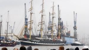 90 jaar oud zeilschip brengt opnieuw bezoek aan Antwerpen