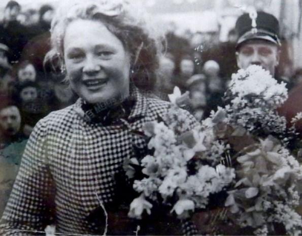 Eerste vrouwelijke winnares Elfstedentocht overleden