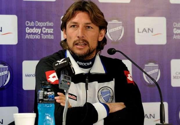 """""""Deze ex-speler van Real Madrid wordt de nieuwe coach van Standard"""""""