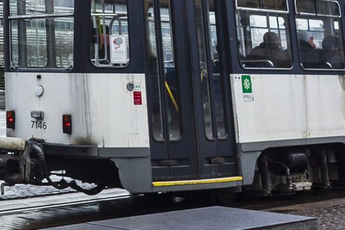 Tramchauffeurs gewond na botsing op Frankrijklei