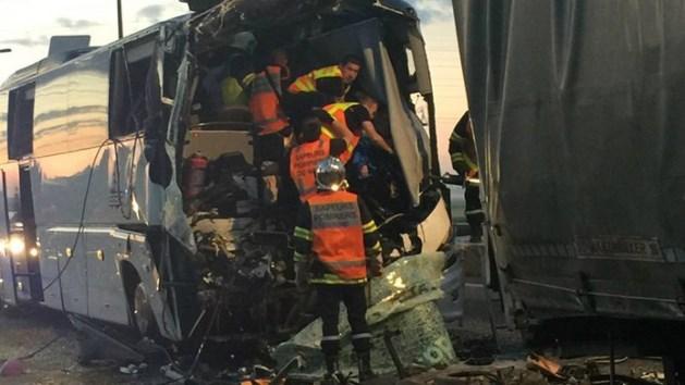 Nederlandse scholieren zwaargewond bij busongeval in Noord-Frankrijk