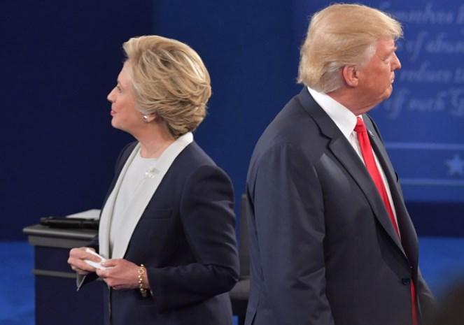 Trump haalt weer uit naar Hillary Clinton, maar die reageert gevat