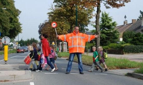 Wil jij kinderen veilig de straat over helpen?