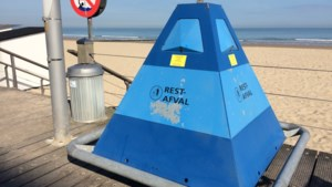 Na afvalberg tijdens Hemelvaartweekend: Extra afvalkorven op het strand en strengere controles op sluikstorten