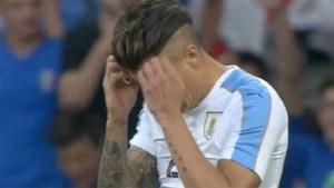 Italië dankzij bizarre owngoal voorbij Uruguay, Izquierdo maakt debuut tegen Spanje