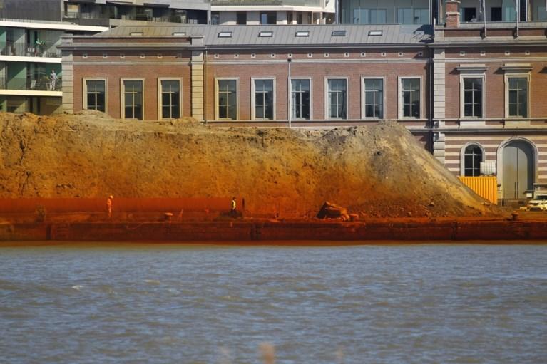 Opnieuw oude kaaimuur aan Antwerps Nieuw Zuid opgeblazen