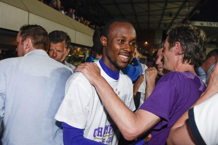 Fessou Placca dit seizoen wél van bij de start speelgerechtigd