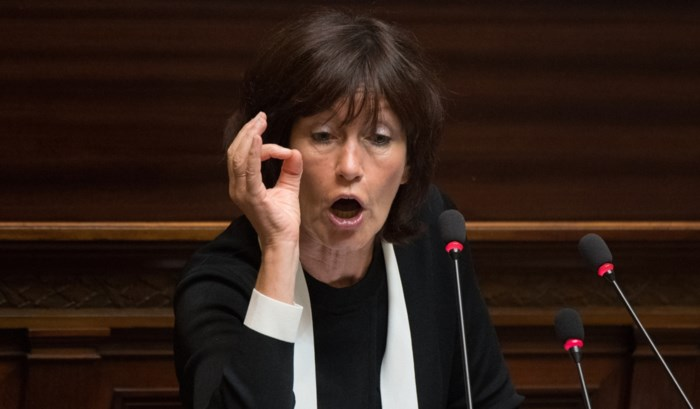 """Onkelinx pikt het niet dat haar kinderen """"zwartgemaakt"""" worden in Samusocial-schandaal"""