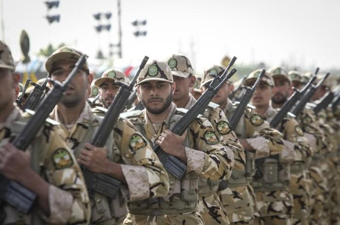 """Iran lanceert raketten tegen """"terroristische bases"""" in Syrië"""