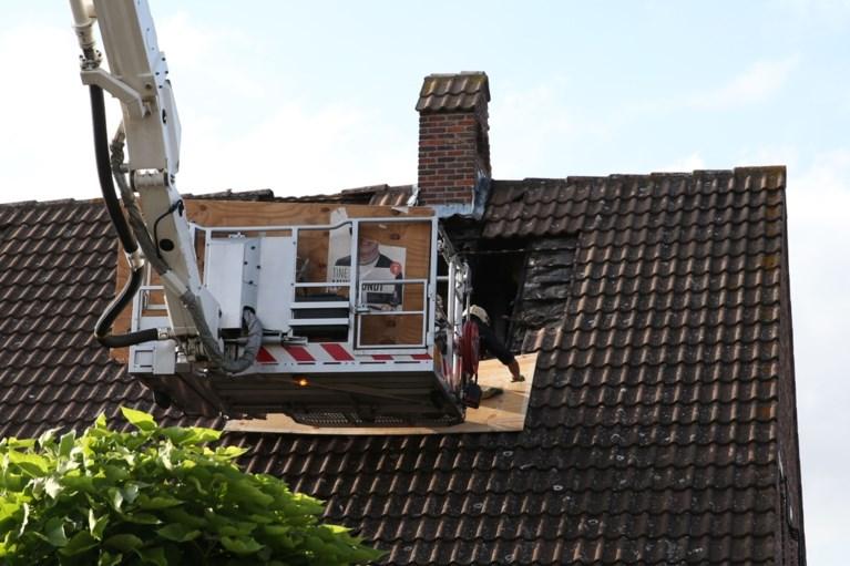 Bliksem slaat in op huis: woning onbewoonbaar