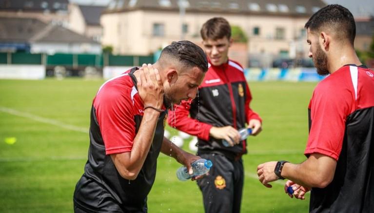 KV Mechelen werkt eerste training met negentien spelers af, twee transfers in pijplijn