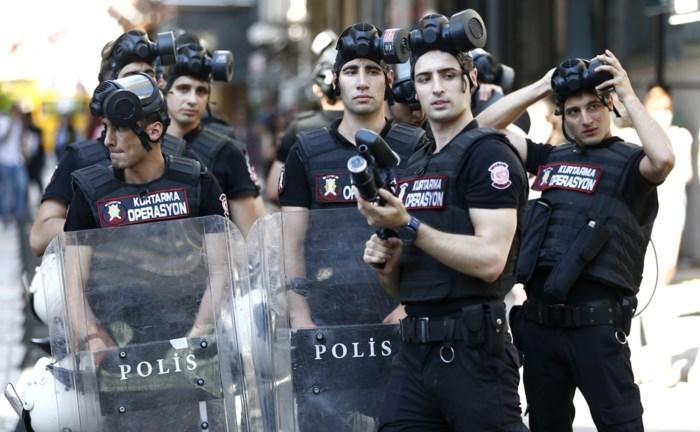 Turkse politie schiet rubberkogels om Gay Pride te verhinderen