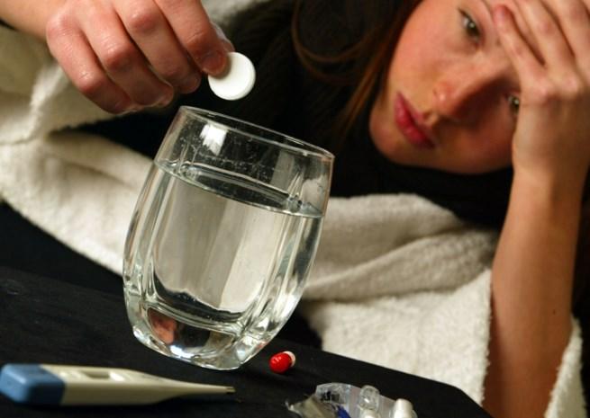 Wie hoofdpijn krijgt van geneesmiddel moet dat melden