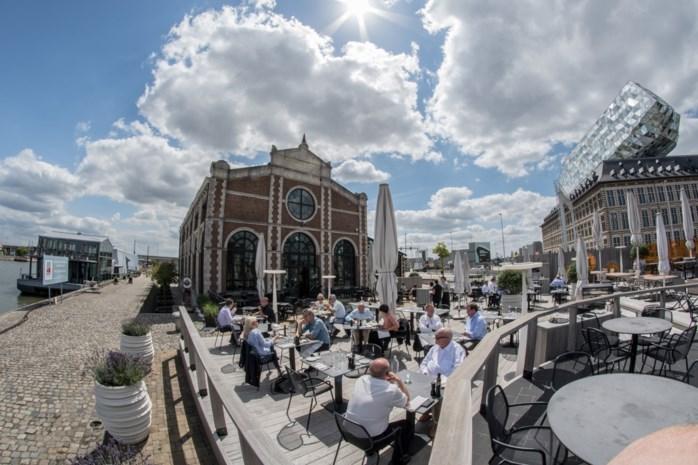 Dit zijn de mooiste terrassen met uitzicht op het water van 't stad