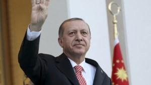 Turkse bellers krijgen automatisch boodschap van president te horen