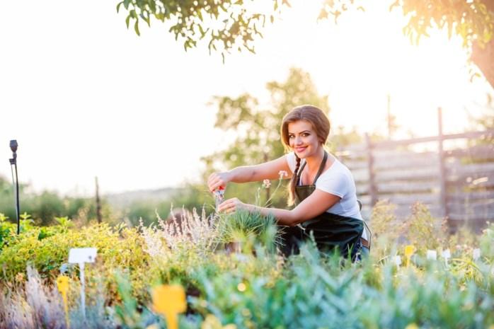 """Nederland herziet de bewegingsnorm: """"Ook traplopen en tuinieren tellen mee"""""""