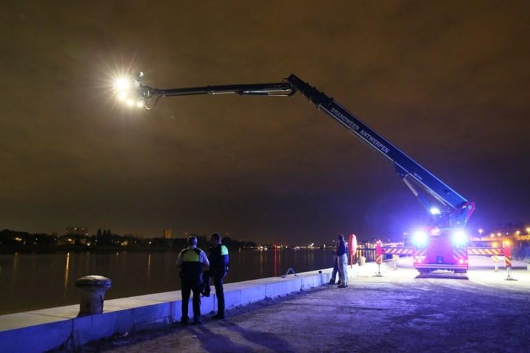 Politie zoekt opnieuw naar man (53) die in Schelde viel