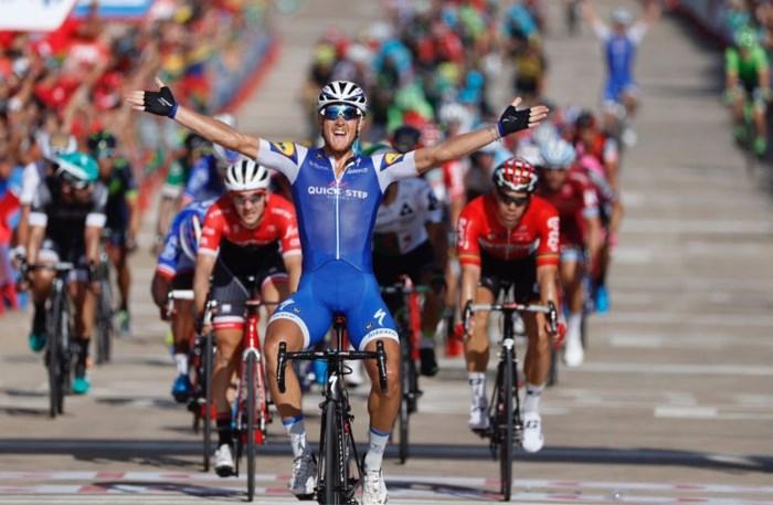 Quick Step draait de rollen om in Vuelta: assist Lampaert, nu maakt Trentin het af