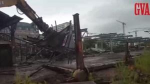 Afbraak oude hangars aan Kaaien gestart