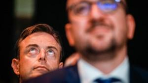 "Wat is het nu? ""Geen akkoord over pensioen 50-plussers"", zegt De Wever tot ergernis van Kris Peeters"