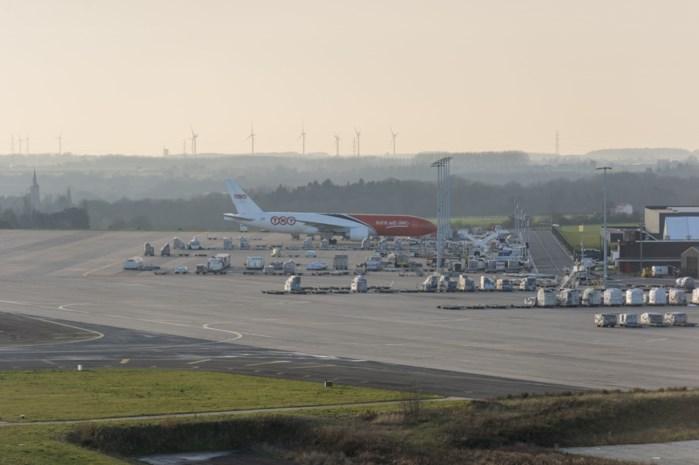 Zowat 360 Chinezen geblokkeerd op luchthaven Luik