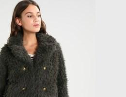 Trend: zo draag je de fluffy jas