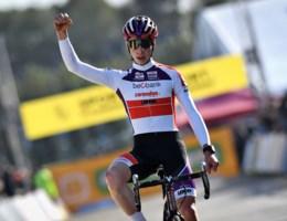 Belofte Jens Dekker triomfeert in Ruddervoorde