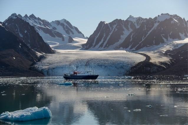 Wrak van Russische helikopter gevonden bij Spitsbergen