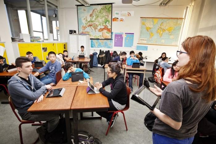 Een op de zeven leerlingen spreekt thuis geen Nederlands
