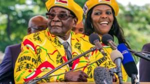 Mugabe verrast in toespraak: hij treedt niet af als president van Zimbabwe